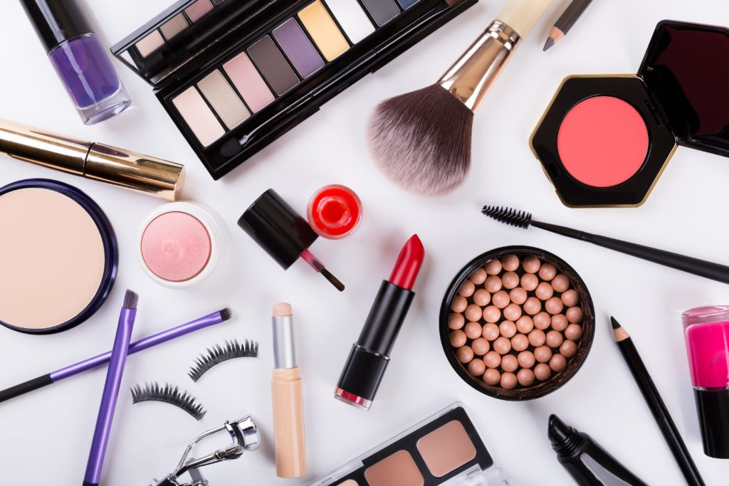 Cosmetics packaging design is related to the image of the whole product, by more and more attention