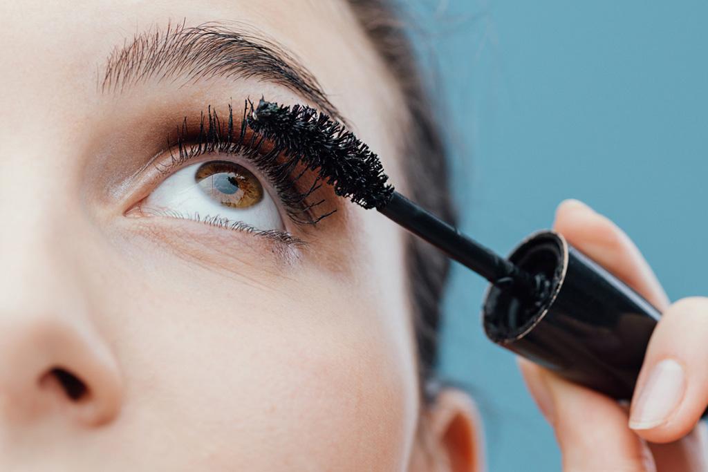 How does eyelash cream ability not dizzy catch